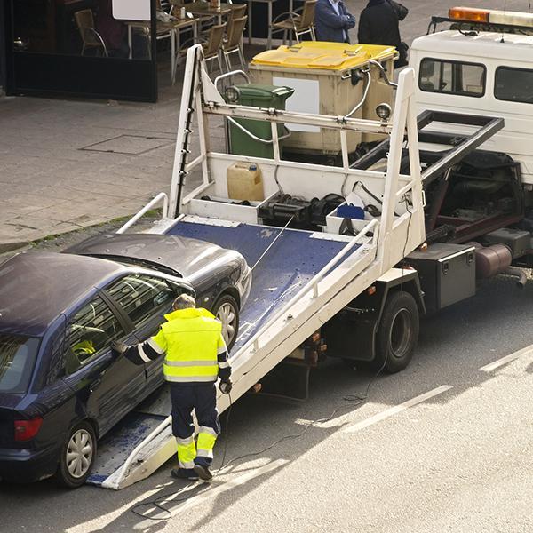 samochód wjeżdżający nalawetę, pomoc drogowa szczecin